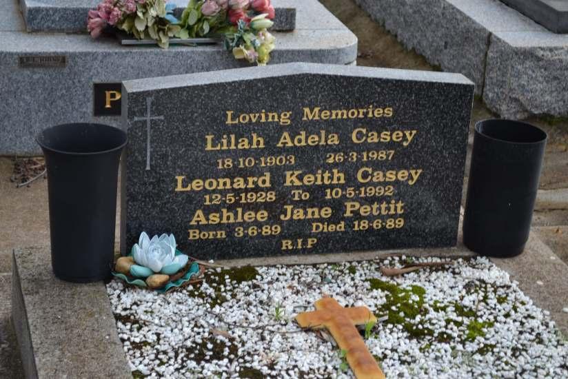 Lilah Adela Casey gravestone